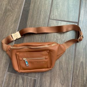 NWT Fawn Design Fanny Pack Brown